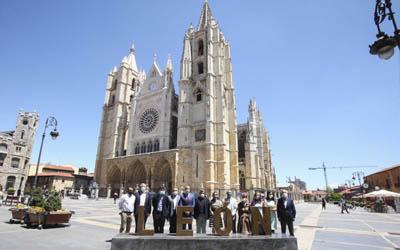 Puesta de largo del Magistral de Ajedrez de León en su ciudad anfitriona